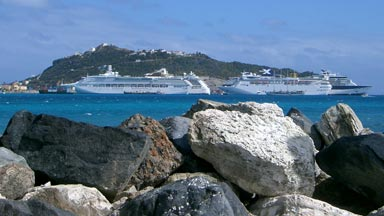 Ocean liners docked at Philipsburg